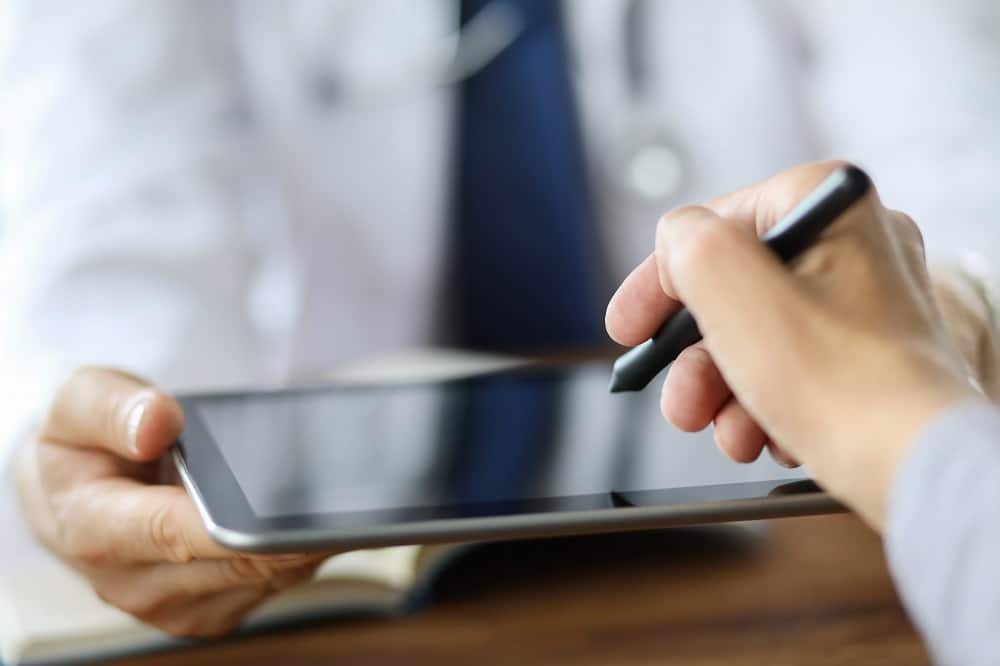 E-signing with stylus and tablet